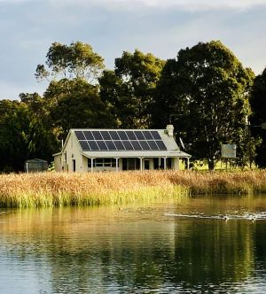 The Lake House Retreat - Accommodation Find