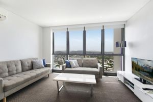 Stunning Views on the 41st Floor - Accommodation Find